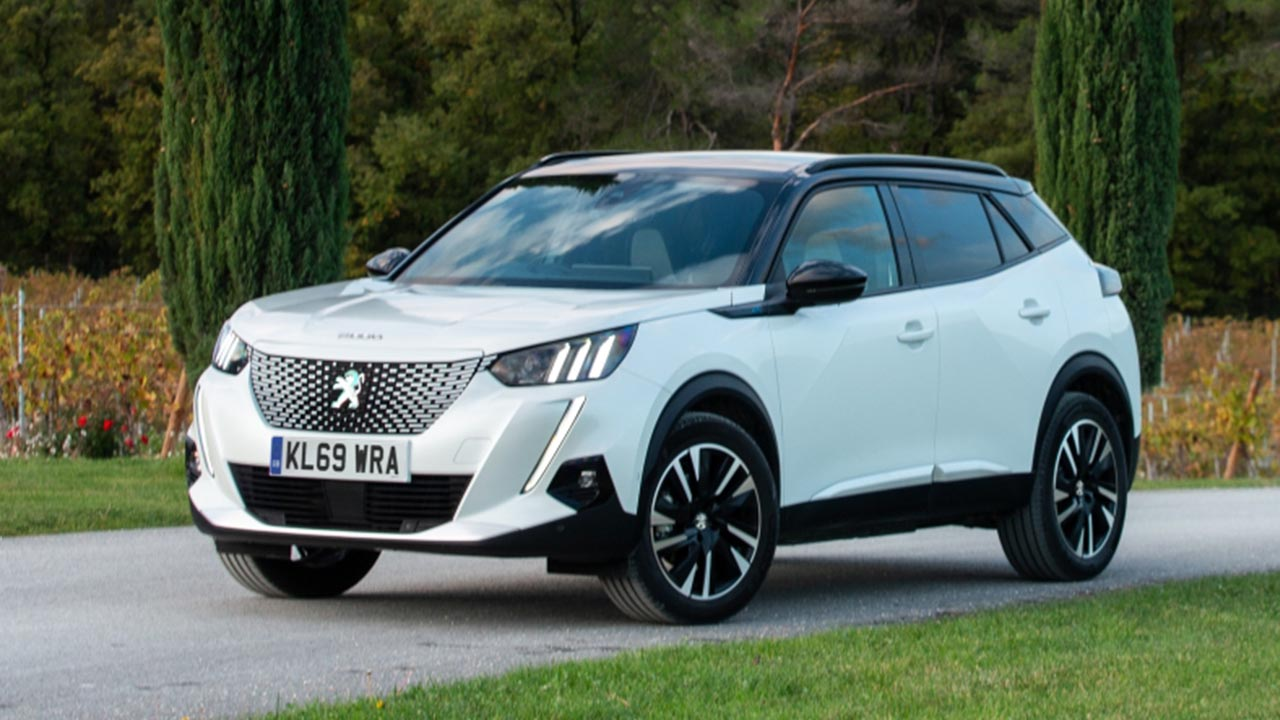 white peugeot 2008, front, parked
