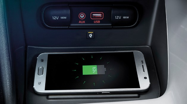 Smartphone charging in car
