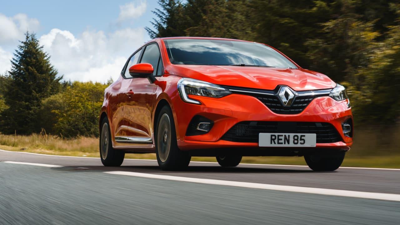 Renault Clio Driving