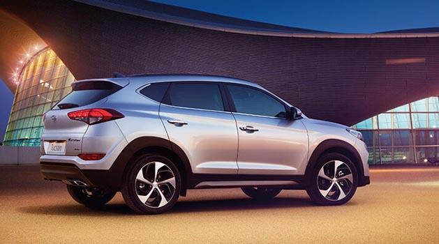 Silver Hyundai Tucson