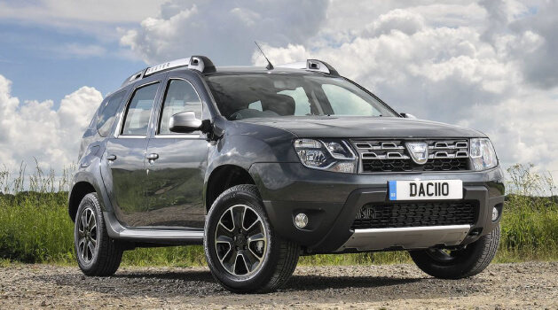 Black Dacia Duster