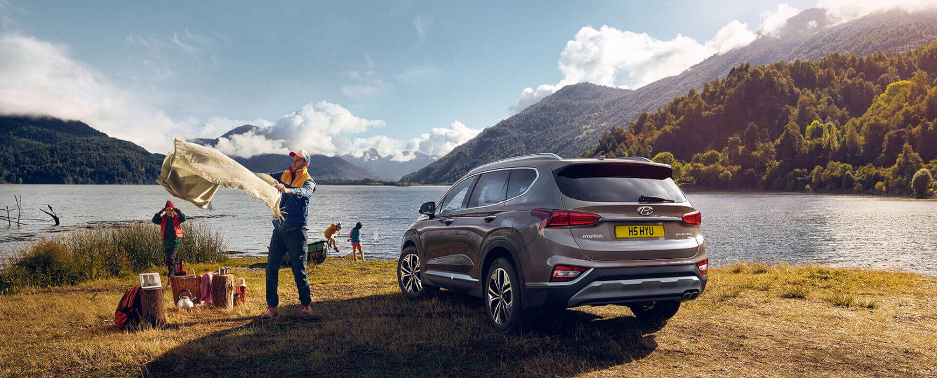Hyundai Santa Fe Family Holiday