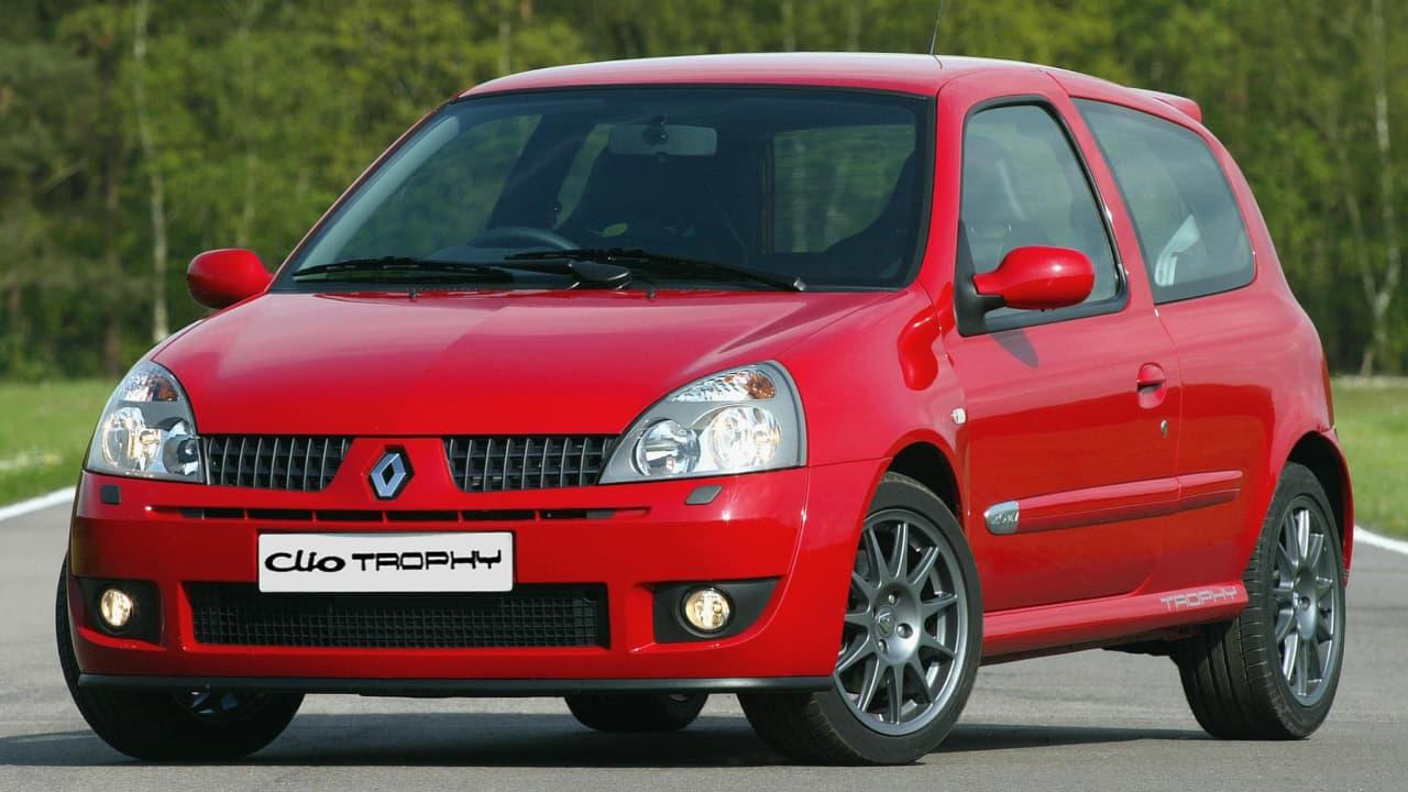 Red Renault Clio II Renault Sport Exterior