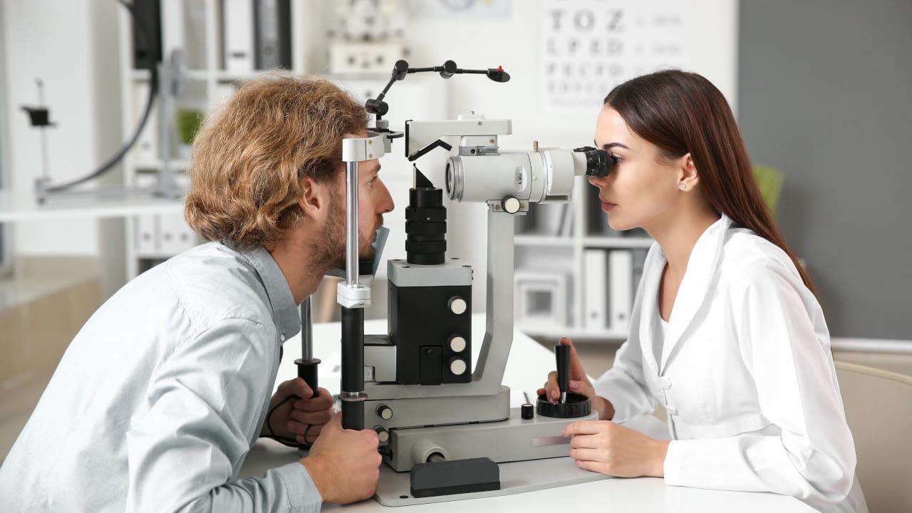 Optician Eye Check