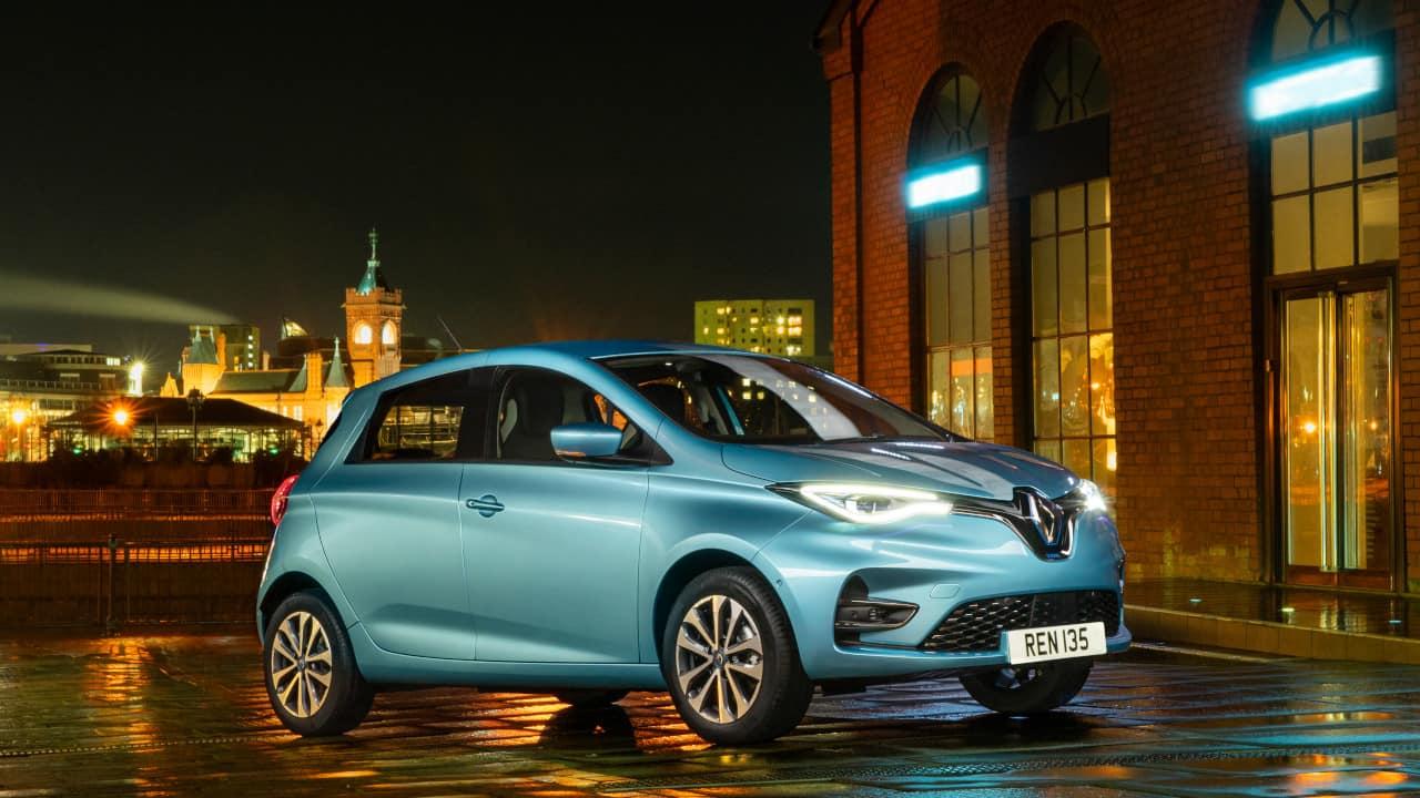 Blue Renault Zoe at Night