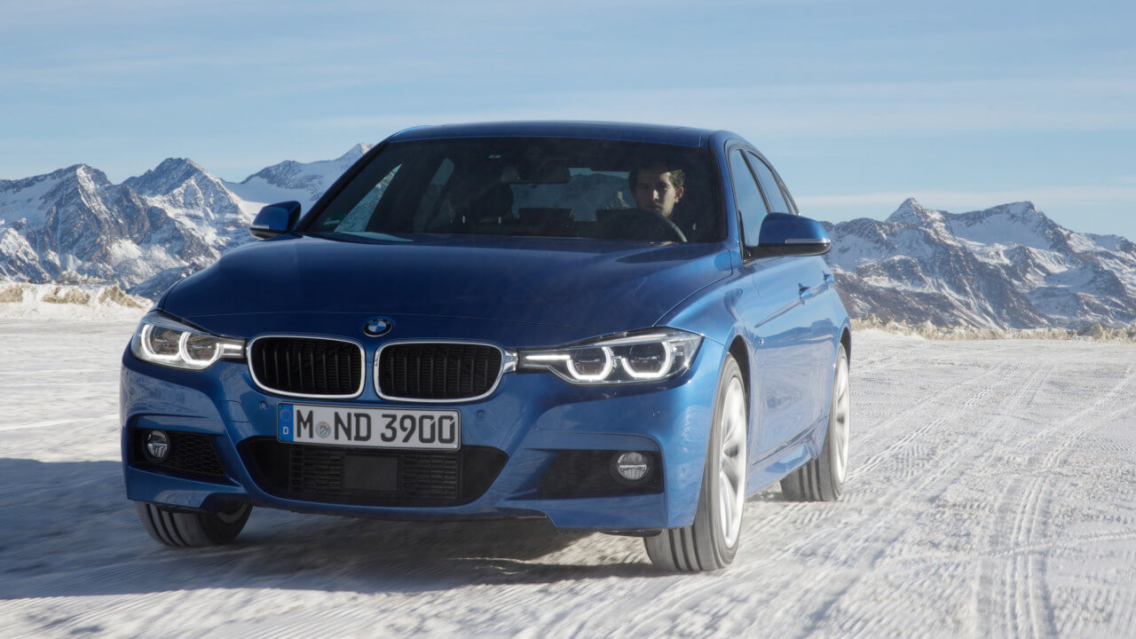 BMW 3 Series Saloon Driving in Snow