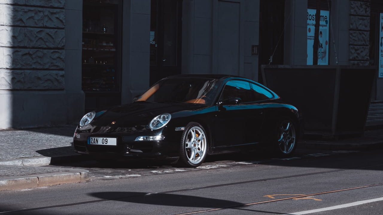 Porsche In the Shade