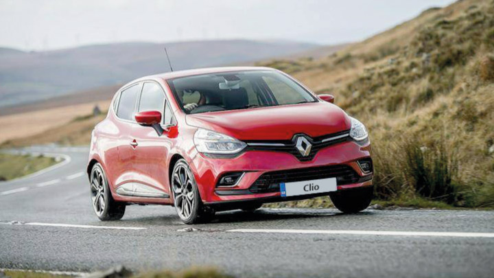 Red Renault Clio