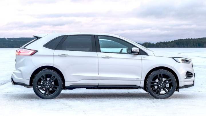 white ford edge, parked, snow