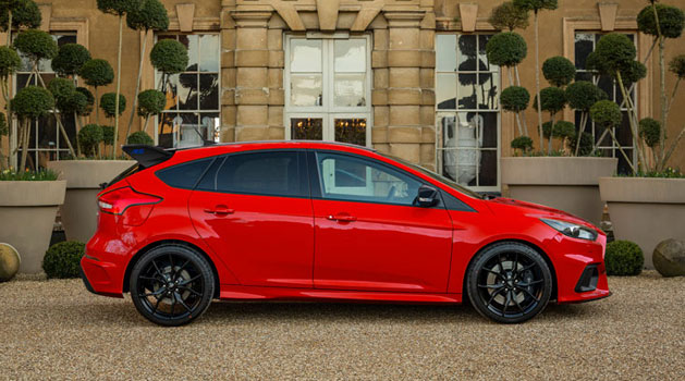 Red Ford Focus RS