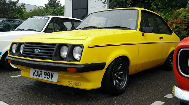 Yellow Ford Escort RS