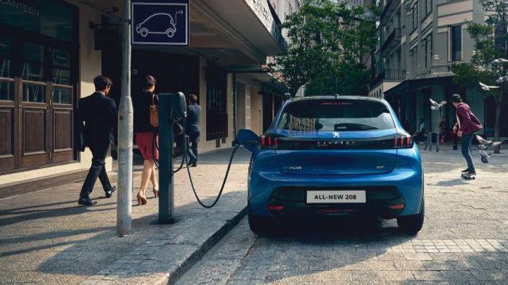 Peugeot 208 Electric: Charging