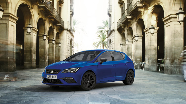 SEAT Leon in blue