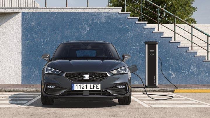 SEAT Leon e hybrid charging