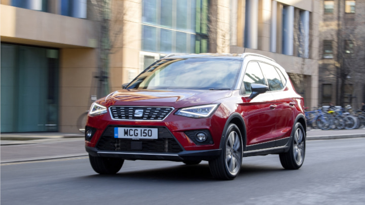 Red SEAT Arona Driving