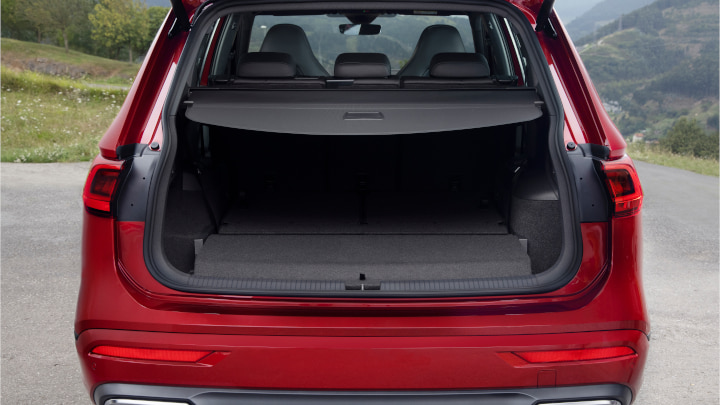 Red SEAT Tarraco Boot
